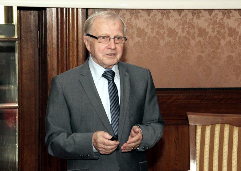 profesor Hieronim Bartel